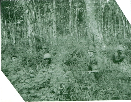 157-Stan and Wille in Rubber plantation